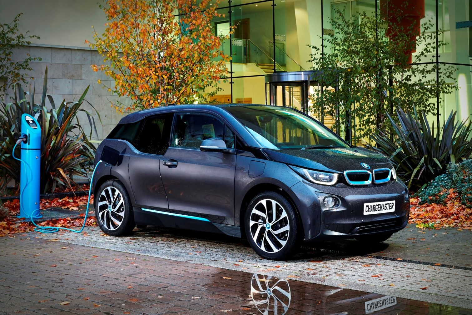 bmw i3. Black Bedroom Furniture Sets. Home Design Ideas