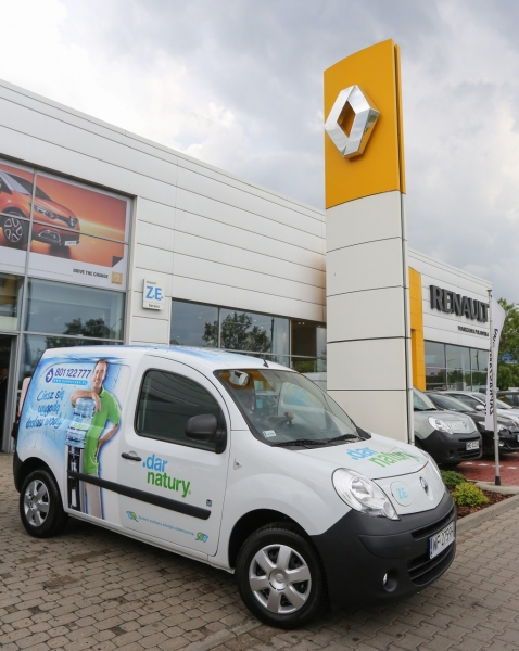 Renault Kangoo Z.E. we flocie Nestlé Waters Polska S.A.