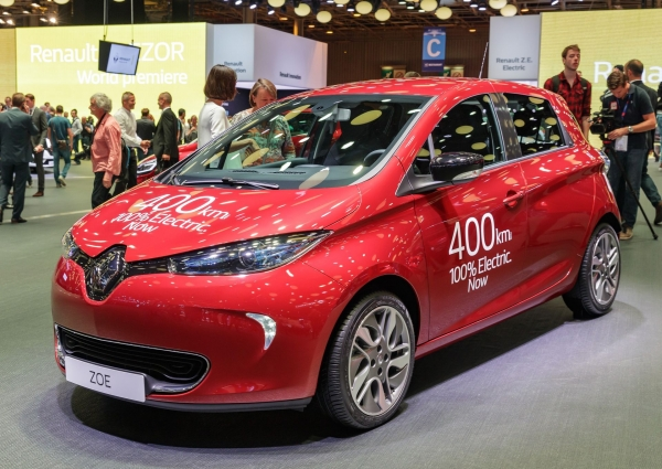 renault zoe o zasi gu 400 km nedc na targach paris motor show 2016. Black Bedroom Furniture Sets. Home Design Ideas