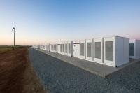 Największy na świecie stacjonarny magazyn energii Tesli 100 MW/129 MWh już działa