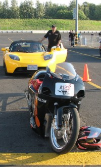Tesla Roadster i KillaCycle