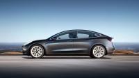Tesla Model 3 jest już piątym najlepiej sprzedającym się autem osobowym w USA